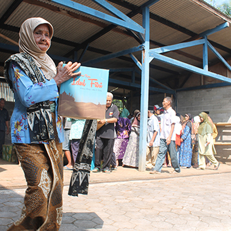 Serunya Bagi - Bagi Paket Ramadhan bersama Perkebunan Tlogo Resort Tuntang